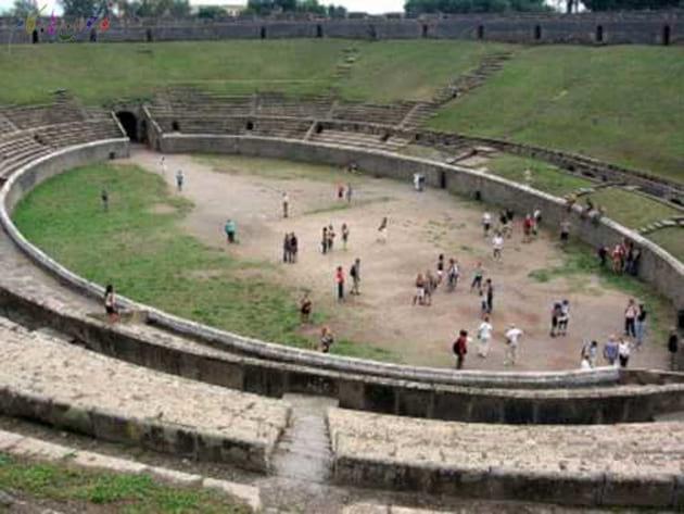 تاریخ-Pompeji_-_Arena