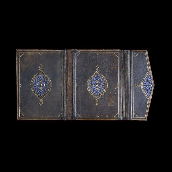 جلد کتاب در موزه بریتانیا