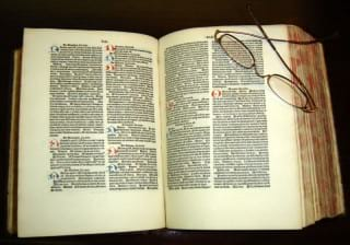 نسخه انگلیسی کتاب قانون که سال ها در دانشکده های پزشکی اروپا تدریس می شد