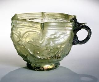 جام شیشه ای حدود قرن هشتم هجری