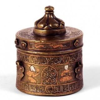 ظرف جوهردان (دوات) فلزی قلمزنی شده دوره ی سلجوقی