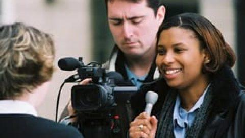 روزنامه نگار و کارشناس علوم ارتباطات