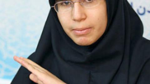 دختر ۱۳ساله دانشجوی رشته پزشکی