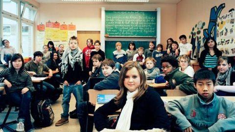 کلاس درس دانش آموزان در سراسر جهان