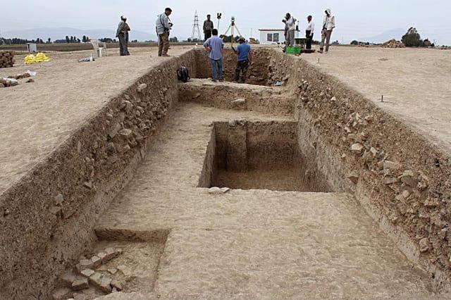 کشف بنایی بزرگ از دوره کوروش در کنار تخت جمشید