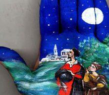 نقاشی قصه ها بر کف دست