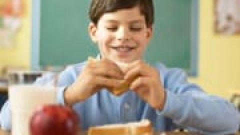 ۵ اشتباه رایج تغذیهای دانش آموزان