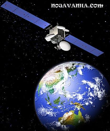ماهواره و رباتیک