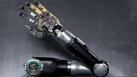 Bionic arm یا دست رباتی