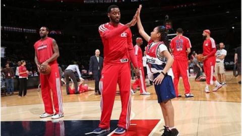 قرارداد یک روزه تیم بسکتبال واشنگتن ویزاردز با دختری ۱۰ ساله