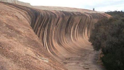 صخره های مواج گرانیتی در استرالیا