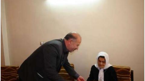 پیشکسوت ترین معلم بجنوردی دانش آموزانش را به حضور پذیرفت