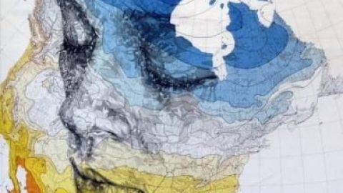 نقاشی بر روی نقشه جهان