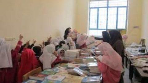 تجهیز کتابخانه های کلاسی مدارس ابتدایی به کتاب های نو از مهرماه
