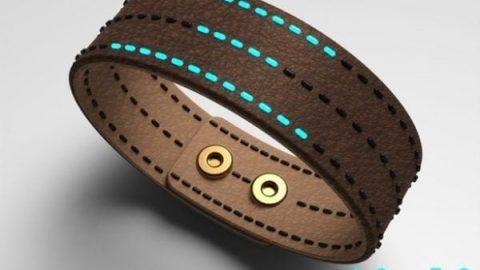 ساعت های مخفی روی دستبند چرم