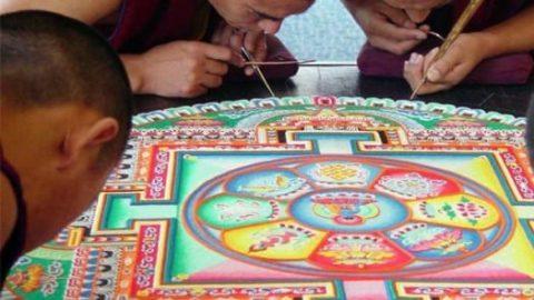 نقاشی مذهبی با شن و ماسه رنگی