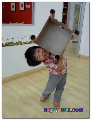 Cardboard Castle-nojavanha (7)