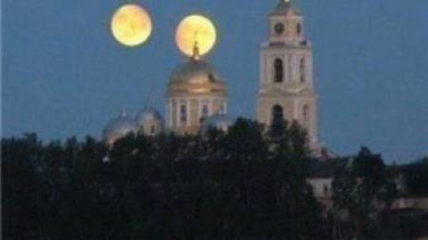 آیا وجود ۲ماه در آسمان در ۵ شهریور ماه حقیقت داشت؟