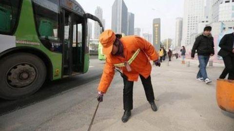 حرکت عجیب یک زن میلیاردر در خیابان