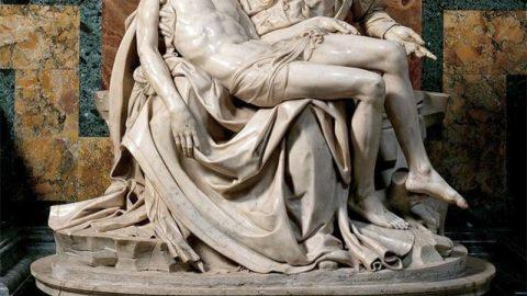 نزدیک تر ببینیم (۱) مجسمه عیسی (ع) در آغوش مادرش
