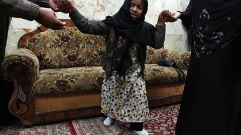 شفا یافتن دختر معلول در حرم سیدالشهدا(ع)