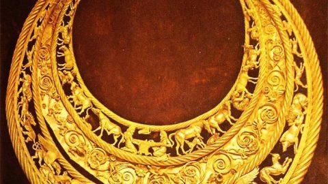 نزدیک تر ببینیم (۳) گردن آویز طلای سکاها