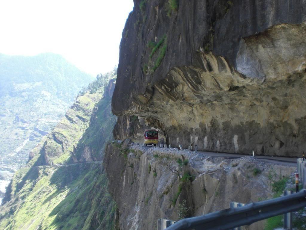جاده های خطرناک (1)