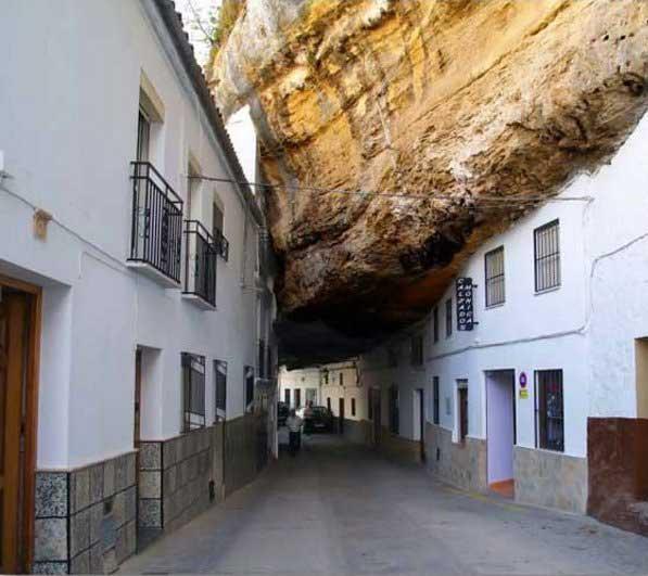 شهر صخره ای (4)