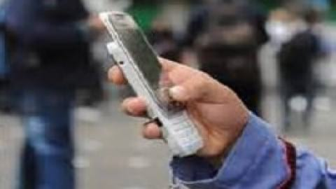 آزاد بودن تلفن همراه دانش آموزی در مدارس