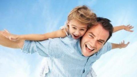 تحقیق: والدین حداقل ۵۰ دقیقه در روز در کنار فرزند نوجوانشان باشند