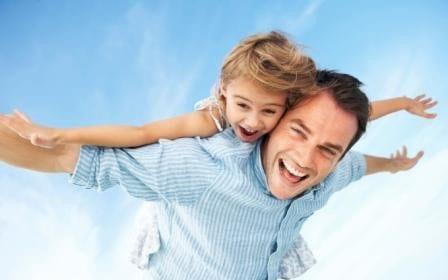تحقیق: والدین حداقل 50 دقیقه در روز در کنار فرزند نوجوانشان باشند