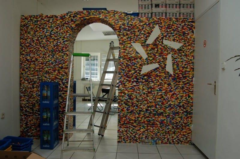 دیوار (24)