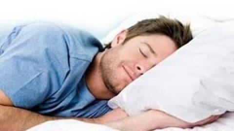 راهکار مفید و عجیب برای سریع تر خوابیدن