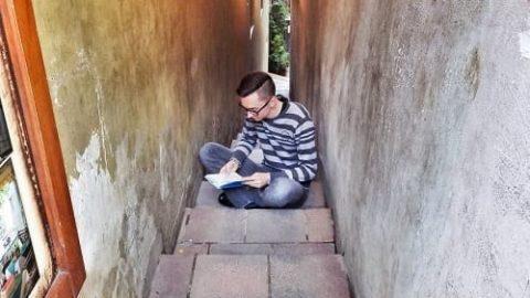 همه جا می توان کتاب خواند