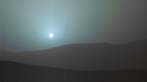چرا غروب خورشید در مریخ آبی رنگ است؟ (ویدئو)