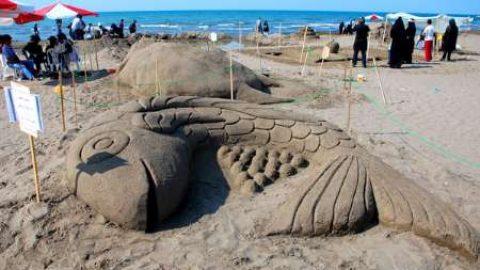 جشنواره مجسمه های شنی نوجوانان در سواحل مازندران