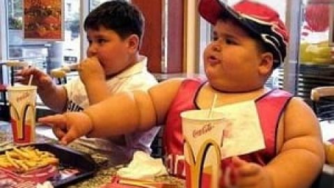 چاقی باعث افت شنوایی در نوجوانان می شود