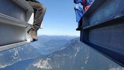 هیجان انگیزترین عکس های دنیا از حضور انسان در ارتفاع (۲)