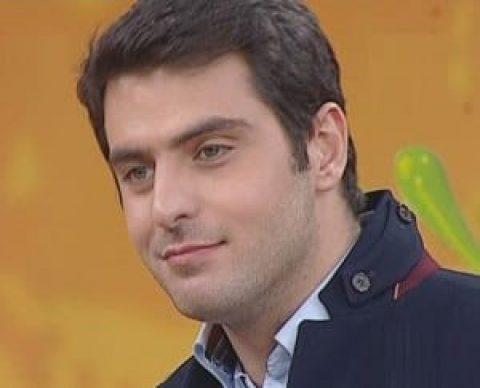 توهین علی ضیا به خبرنگاران در برنامه زنده