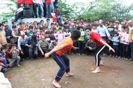 جشنواره ورزش های بومی، محلی در چابکسر گیلان برگزار شد