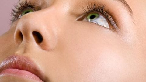 چگونه پوستی صاف و شفاف داشته باشیم؟