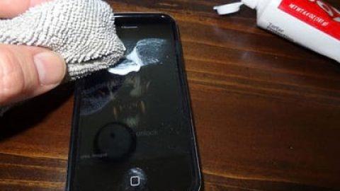 روش های ساده برای از بین بردن خش های روی نمایشگر تلفن همراه