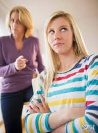چگونه با تغییر رفتارهای نوجوان خود برخورد کنیم؟