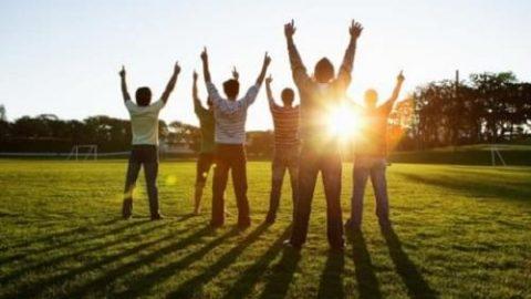 ورزش هایی برای شادابی صبحگاهی دانش آموزان