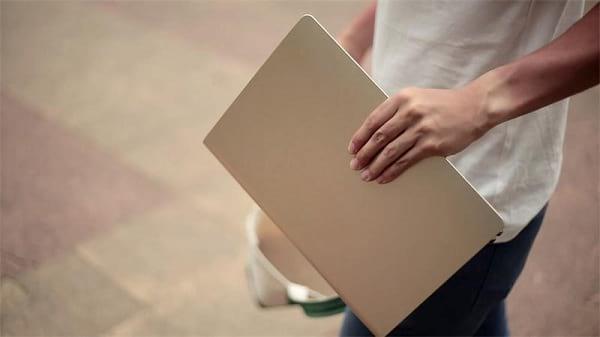 اسکیت بردی به اندازه یک لپ تاپ