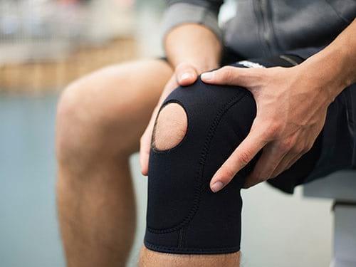 با روشهای طبیعی به جنگ زانو درد بروید!