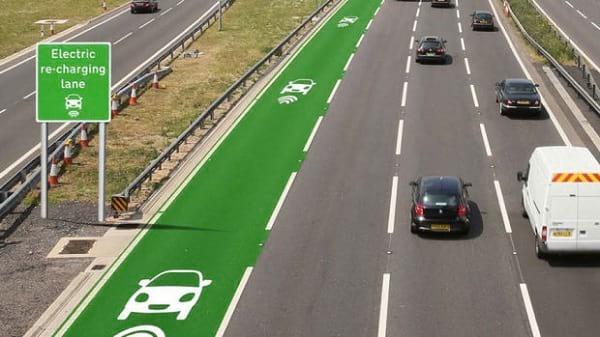 شارژ اتومبیل با جاده (1)