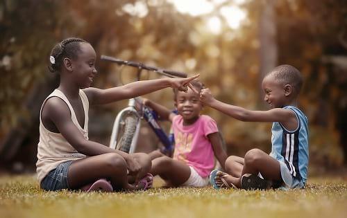 نشاط بازی با بچه ها (4)