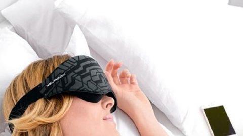 چشمبندی هوشمند برای کمک به بی خوابان!