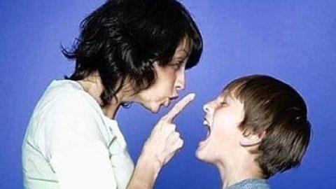 بداخلاقی فرزندان نوجوان